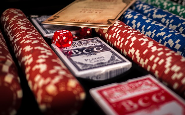 How You Can Make Money by Playing at an Online Casino