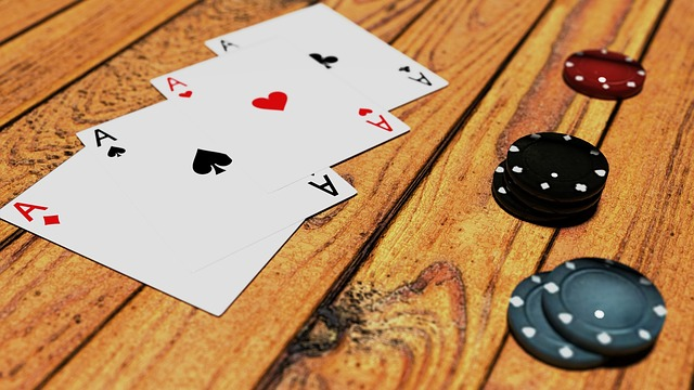 What Are The Benefits Of Playing At The Online Casino?